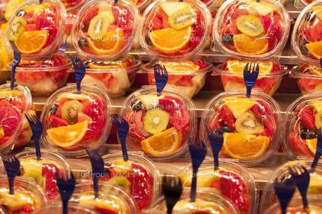 Fresh fruit salad. Fruit Cocktailの写真素材 [FYI00646659]