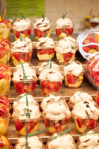 Fresh fruit salad. Fruit Cocktailの写真素材 [FYI00646663]