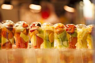 Fresh fruit salad. Fruit Cocktailの写真素材 [FYI00646669]