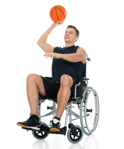 Handicapped Basketball Player Throwing Ballの写真素材 [FYI00646706]