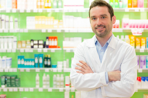 Portrait of an attractive pharmacist at workの写真素材 [FYI00646900]