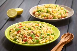 Vegetable and Couscous Saladの写真素材 [FYI00647199]