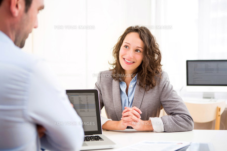 Young attractive woman during job interviewの写真素材 [FYI00647301]