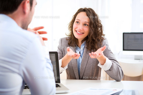 Young attractive woman during job interviewの写真素材 [FYI00647307]