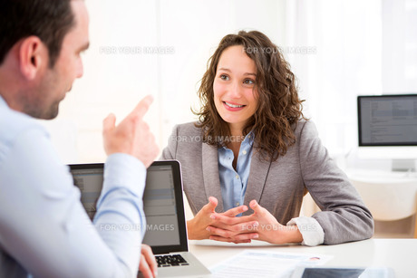 Young attractive woman during job interviewの写真素材 [FYI00647311]
