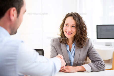 Young attractive woman during job interviewの写真素材 [FYI00647317]