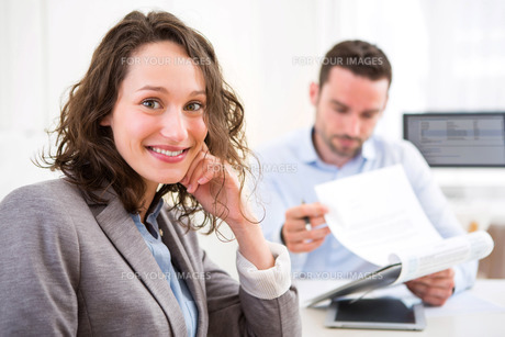 Young attractive woman during job interviewの写真素材 [FYI00647464]
