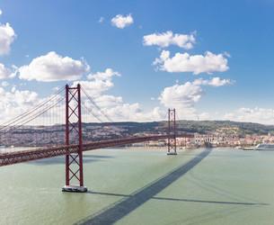 Panorama Lisbon Bridgeの写真素材 [FYI00647547]
