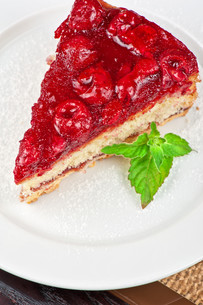 cake with berry'sの写真素材 [FYI00647578]