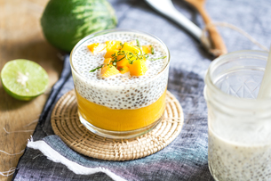 Chia with mango puddingの写真素材 [FYI00647715]