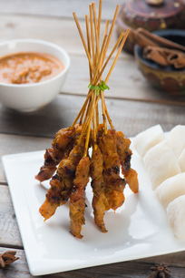 chicken satay popular asian dishの写真素材 [FYI00647741]