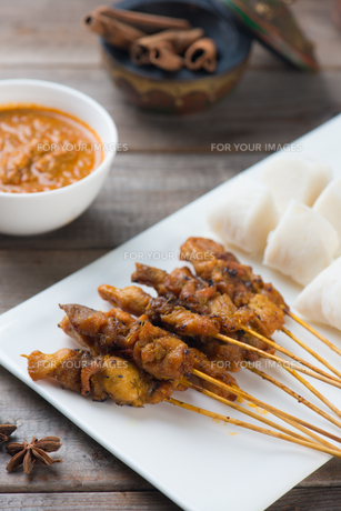 chicken satay popular asian dishの写真素材 [FYI00647748]