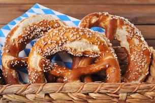 bavarian pretzelsの写真素材 [FYI00647776]