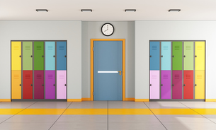 School hallway with student lockersの写真素材 [FYI00648131]
