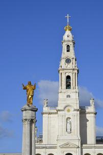 christ and tower of the basilica,fatimaの素材 [FYI00648310]