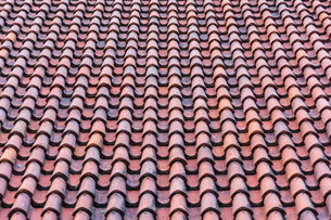 roof with red tilesの写真素材 [FYI00648364]