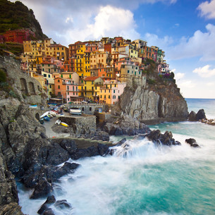 Manarola fisherman village in Cinque Terre, Italyの写真素材 [FYI00648608]