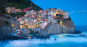 Manarola fisherman village in Cinque Terre, Italyの写真素材 [FYI00648614]