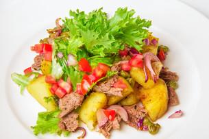 Swabian potato saladの写真素材 [FYI00648702]
