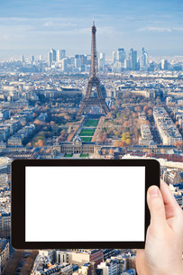 tourist photograph Paris skyline with Eiffel Towerの素材 [FYI00648988]