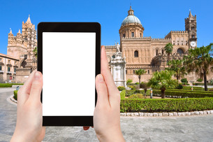 tourist photographs of Cathedral of Palermo Sicilyの素材 [FYI00649030]