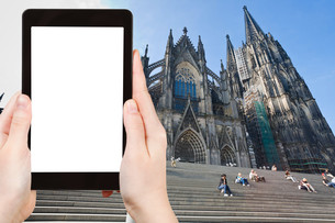 tourist photographs Cologne Cathedral, Gernanyの素材 [FYI00649052]
