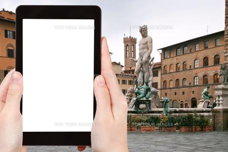 tourist photographs Piazza della Signoria Florenceの素材 [FYI00649085]