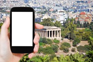 tourist photographs Temple of Hephaestus in Athensの素材 [FYI00649107]
