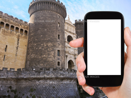 tourist photographs of medieval castle in Naplesの素材 [FYI00649124]