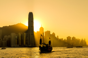 Hong Kong skyline in sunsetの写真素材 [FYI00649281]