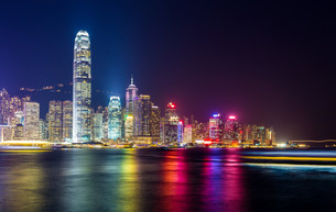 Hong Kong night view of skylineの写真素材 [FYI00649282]