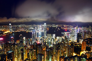 Hong Kong at nightの写真素材 [FYI00649296]