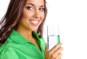 Woman with glass of waterの写真素材 [FYI00649382]