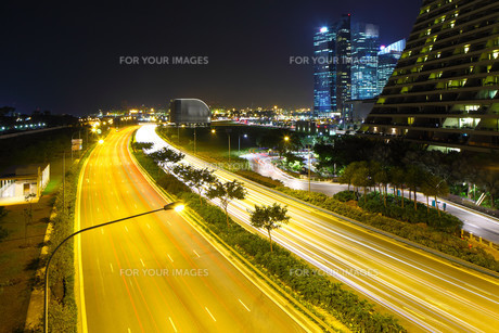 Singapore city skyline at nightの写真素材 [FYI00649387]
