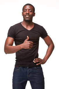 portrait of handsome young black african smiling manの写真素材 [FYI00649444]