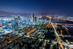 Seoul City and Downtown skylineの写真素材 [FYI00649505]