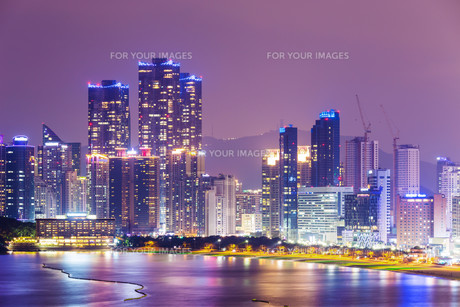 Busan, South Korea skyline at Haeundae Districtの写真素材 [FYI00649572]