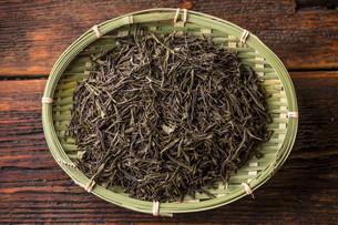 Dry green teaの写真素材 [FYI00649665]