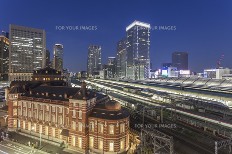 Tokyo Train Station, Tokyo city, Japanの写真素材 [FYI00650184]