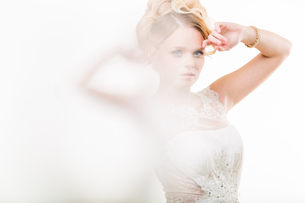 Gorgeous bride on her wedding day (color toned image  shallow DOF)の写真素材 [FYI00650210]