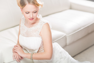Gorgeous bride on her wedding day (color toned image  shallow DOF)の写真素材 [FYI00650211]