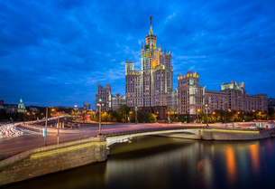 Kotelnicheskaya Embankment Building, One of the Moscow Seven Sisters in the Evening, Moscow, Russiaの写真素材 [FYI00650612]