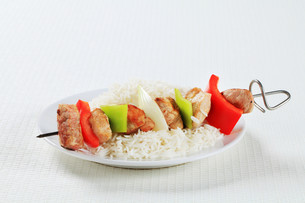 Shish kebabs with riceの写真素材 [FYI00650689]