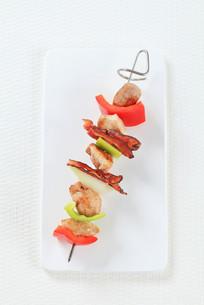 Meat and vegetable skewerの写真素材 [FYI00650707]