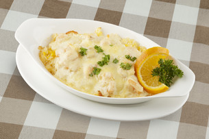 Shrimp and rice severed covered with a delicious sauceの写真素材 [FYI00651420]
