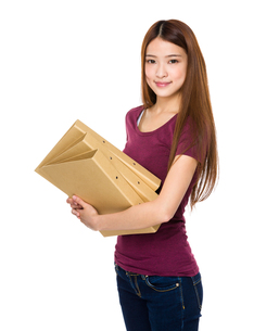 Young student holding document workの写真素材 [FYI00651663]