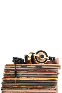 Headphones and vinyl records.の写真素材 [FYI00651860]