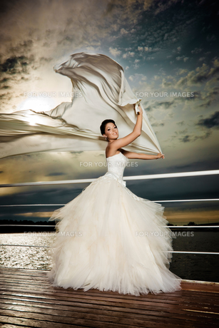 Fiance in the wind.の写真素材 [FYI00651912]