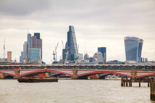 Financial district of London cityの写真素材 [FYI00652087]