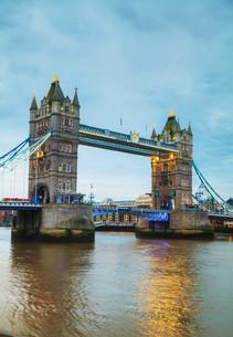 Tower bridge in London, Great Britainの写真素材 [FYI00652091]